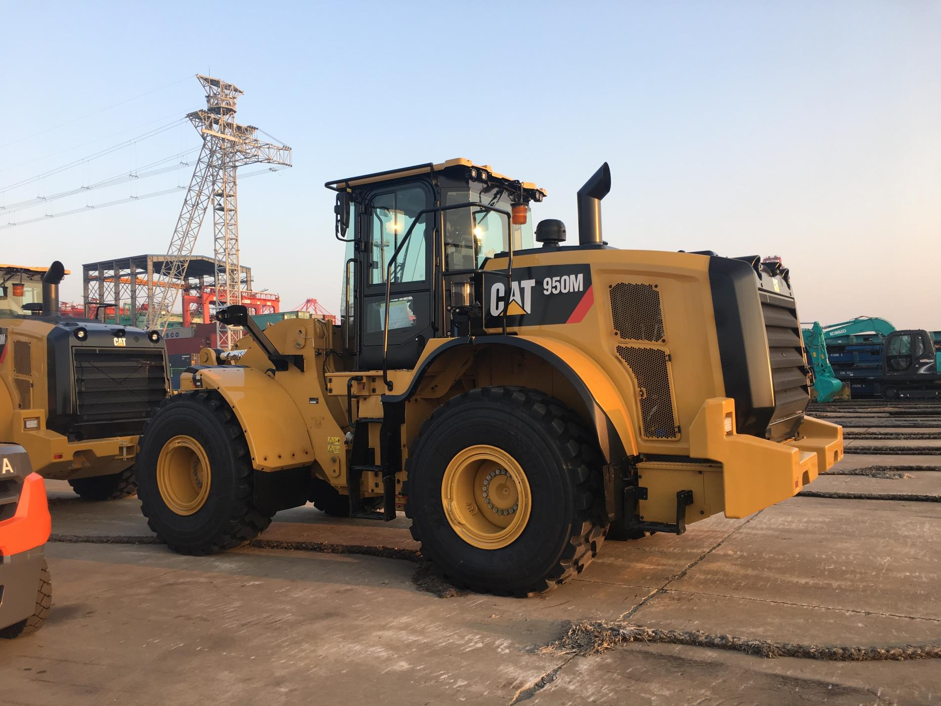 Used Caterpillar 950M Loader