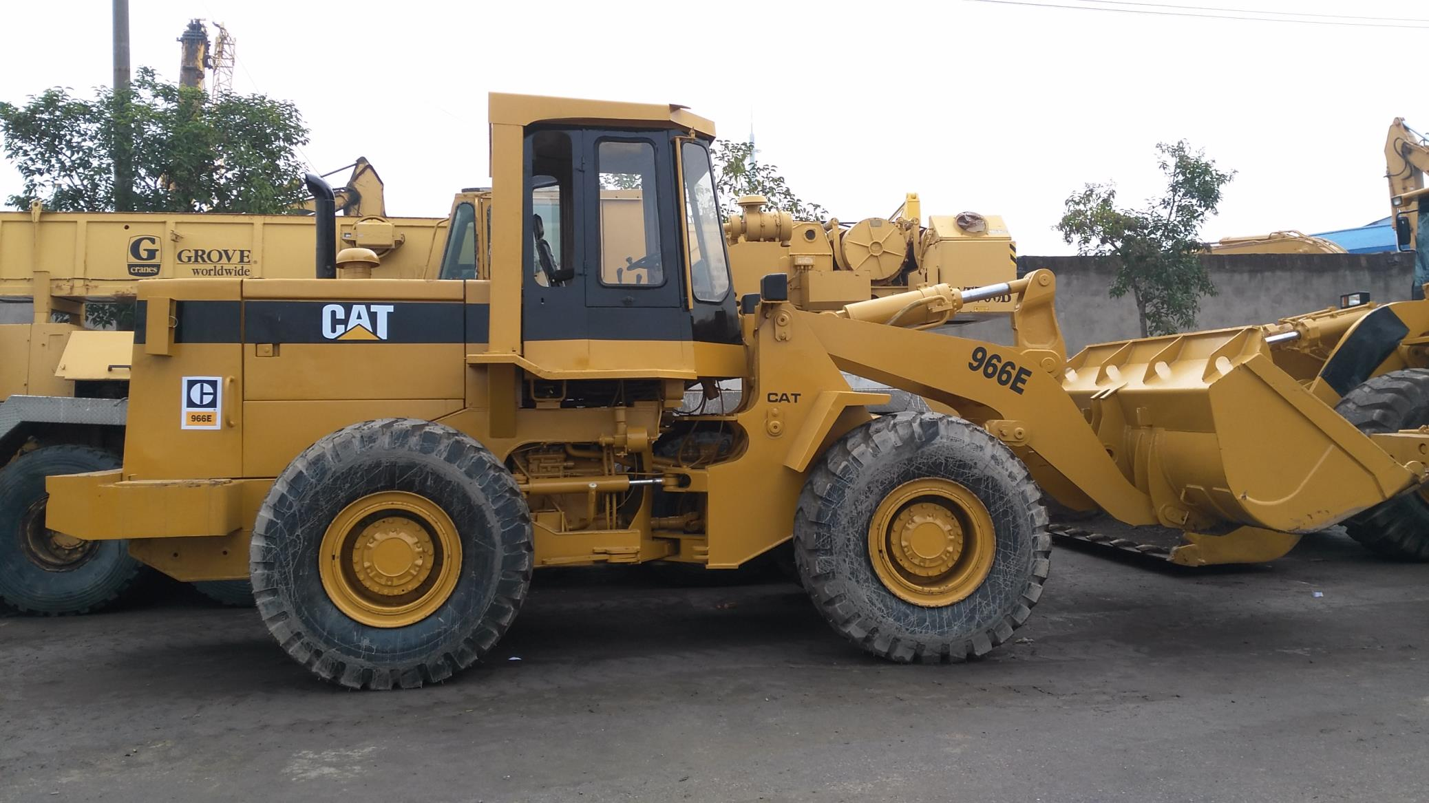 Used Caterpillar 966E Loader