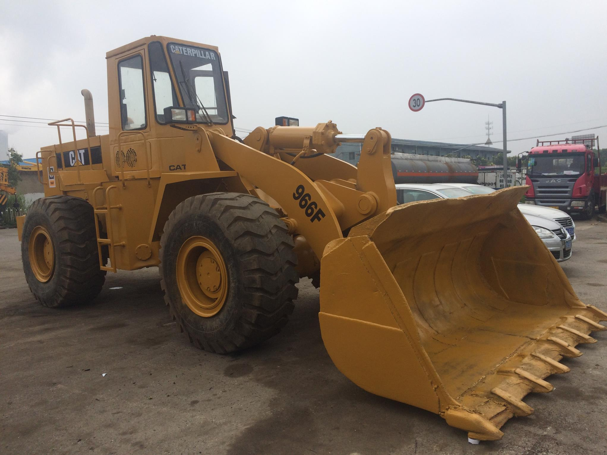 Used Caterpillar 966F Loader