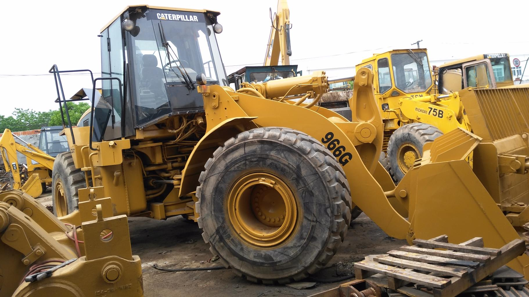Used Caterpillar 966G Loader