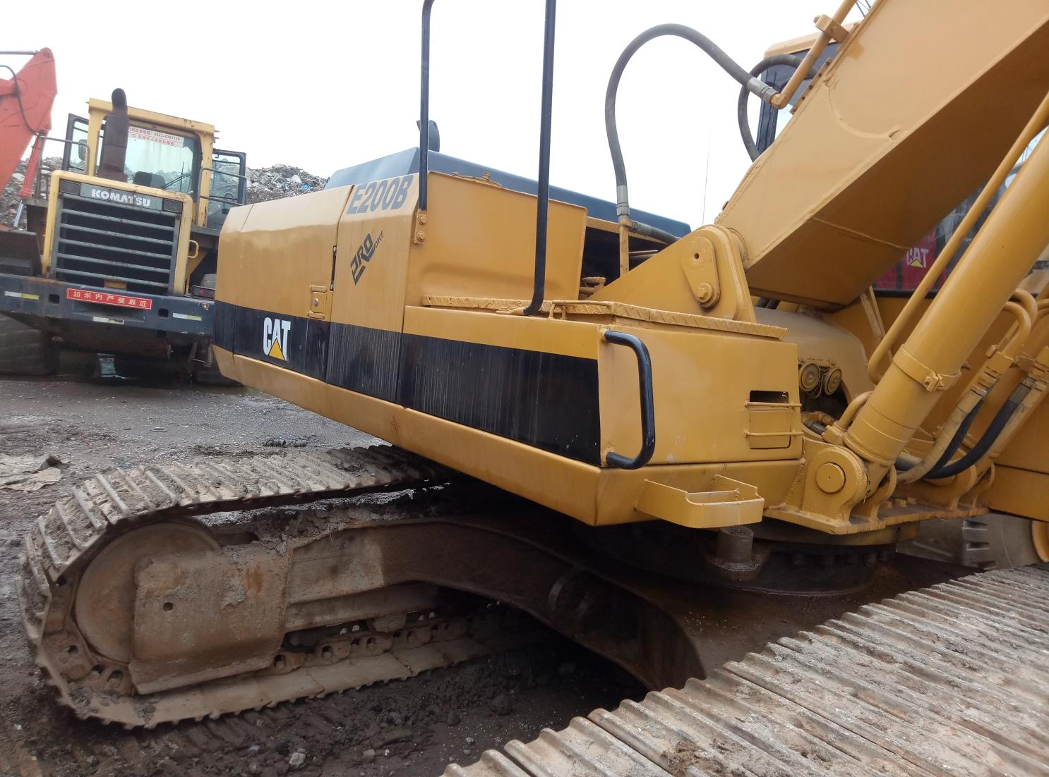 Used Caterpillar E200B Excavator
